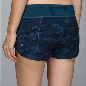 ✨RARE✨ Lululemon Blue Camo speed shorts